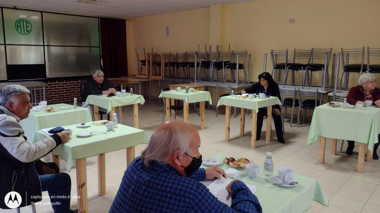 Centro de Jubilados de ATE de Caleta Olivia recibió autoridades de la ANSES