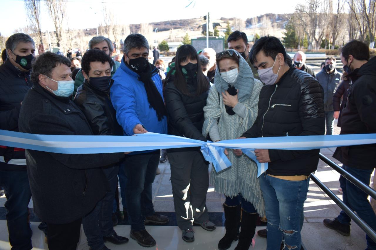 Se inauguró nuevo edificio de la Obra Social Yacimientos Carboníferos en 28 de Noviembre